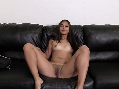 Irresistible Indian pussy