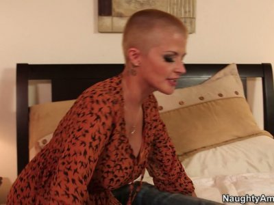 Friendly milf Joslyn James wants to help this guy and blows his cock