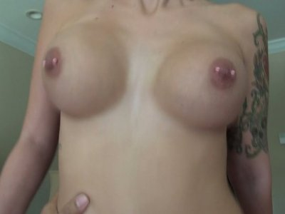 Tattooed girl Pixxxi Lynn likes it hotter