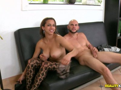 Whorish bitch flashes her tits and later gives a hot blowjob