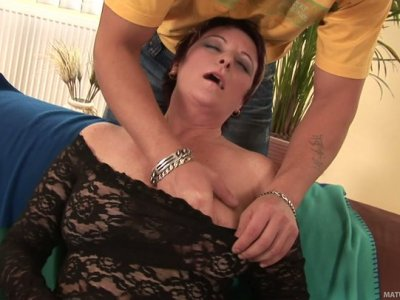 BBW blonde granny Lenny gets her hairy pussy licked by stud