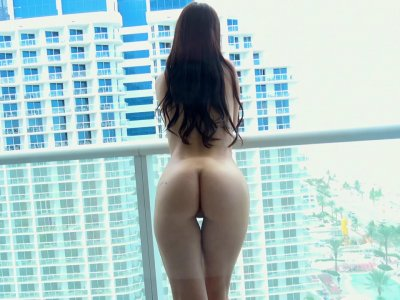 Girlfriend experience with steaming hot Alina Lopez