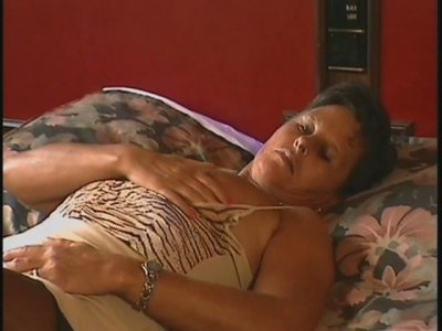 Old short haired brunette slut Karen masturbates before a quickie