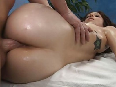 Stud is having fun wanking beautys cookie