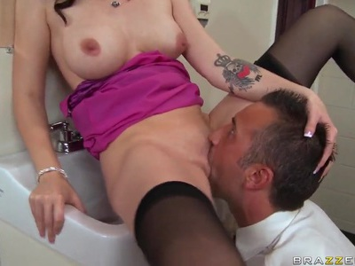 Keiran Lee is strangling Raven Alexis while she sucks his big cock