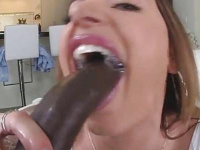 Horny hot chick Juelz Ventura having her pink pussy fucked