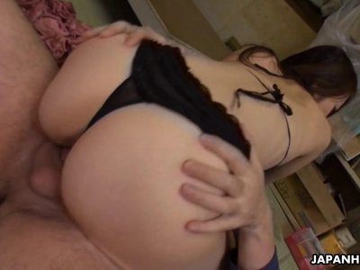 Japanese fuck doll Maki Hojo is eagerly sucking d