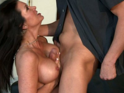 Skilled whore Raquel Devine gets dirty fucked